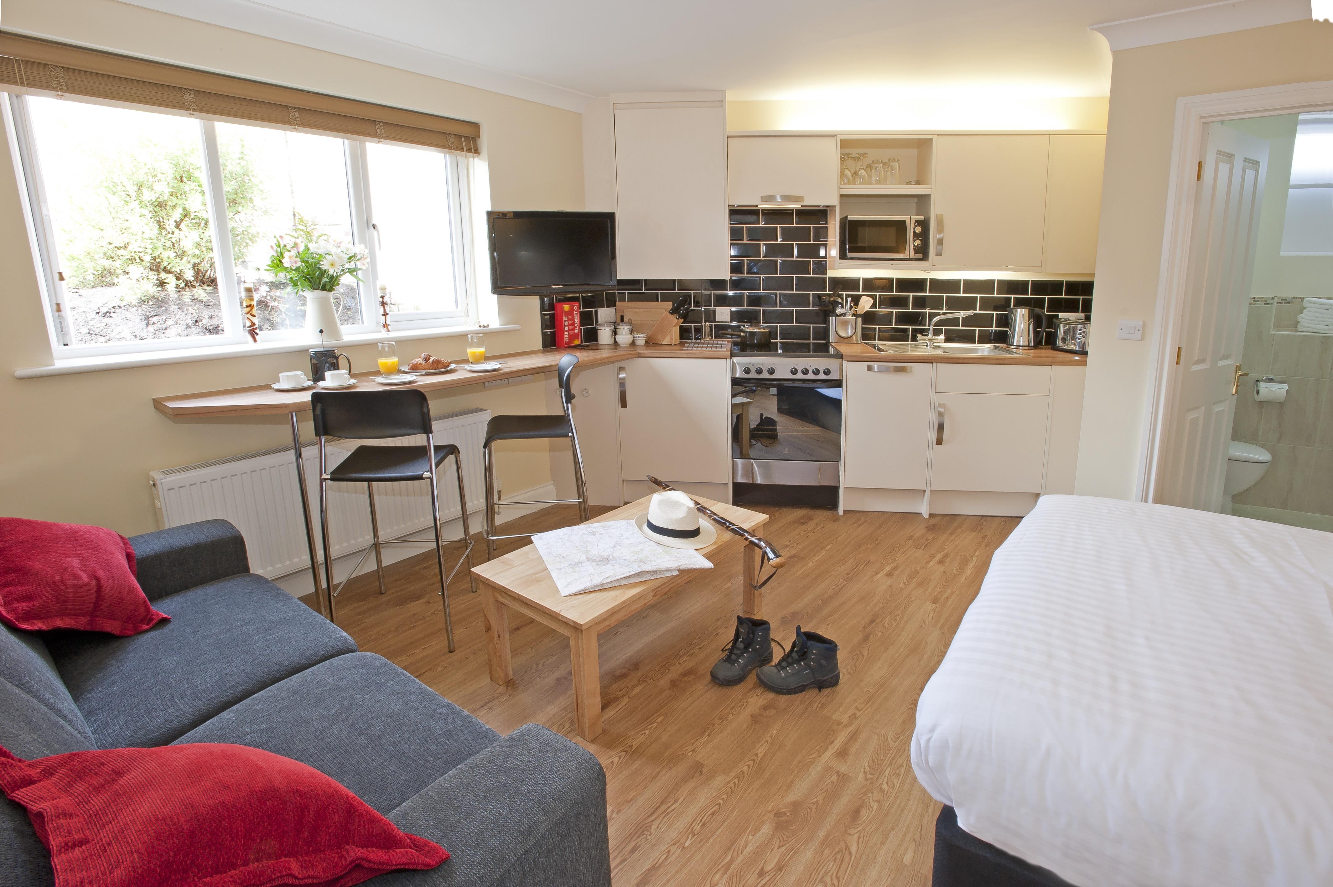 Studio Serviced Apartments
